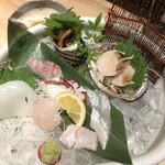 淡路漁港 ともあき丸 -