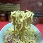 ラーメン二郎 - 太い麺ですね