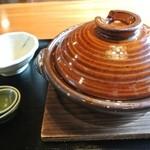 14913450 - 鍋焼きうどん 800円