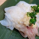 寿司 魚がし日本一 - 生げそを生姜で。