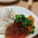 """寿司 魚がし日本一 - """" こぼれエンガワ """" は本来軍艦に乗ってる。 此れは摘み用に皿に乗せただけだから、 """" こぼれ """" ではないわけだwww(笑)www"""