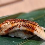 寿司 魚がし日本一 - 煮穴子は此れで今日は終いだそうで。 シャリ少で身のフカフカさらに実感。