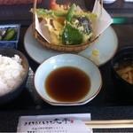 おもてなしどころ 光亭 - ランチ天ぷら定食900円