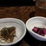 串エ門 - 小鉢と漬け物