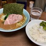横浜家系 侍 - らーめん+小ライス(780+50円)