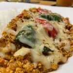 スパイスチャンバー - チーズの炙られた部分がうまい!