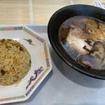きざん亭 - 料理写真:黒ラーメン、半チャーハン