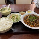 晴々飯店 - 麻婆豆腐定食750円