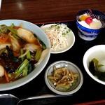 中華美食館 - 中華丼