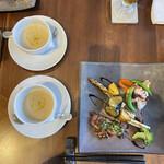 ダイ二ング いけがみ - いけがみランチ〜メインとスープ