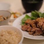 aunt MIMI - 塩麹漬けの鶏の唐揚げ