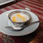 デュセニ村8 - もしかするとのお米(多分…)のデザート。ココナッツの風味で良いのかしら?大好き!