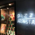 PIZZA MONSTAR - 夜間外観