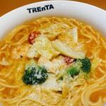 トレンタ  - 料理写真:ぷりぷりエビと春キャベツの濃厚ビスクスープスパゲッティ(期間限定)