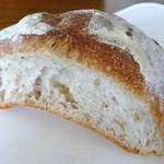 1492289 - 田舎パン(ハーフ)¥300