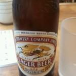 味憩い 甲南そば - ビール小瓶(350円)。グラスも冷えています。