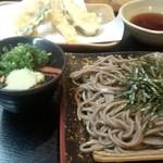 味憩い 甲南そば - 天ざる(900円)