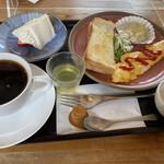 かぢや - ケーキ付きモーニング¥580