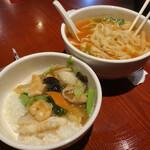刀削麺・火鍋・西安料理 XI'AN - 海鮮丼と刀削麺。