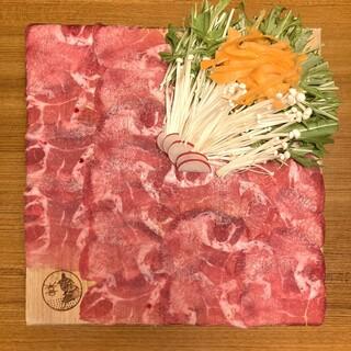 こだわりのお肉料理。