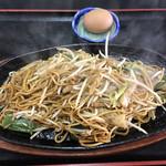 萬天楼 - 料理写真:日田焼そば   670円(税込¥737)なり