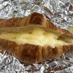 コストコ - 会社のお弁当用にはチーズをサンドして、トースターで焼いちゃいます(*'-')b OK!