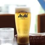 カレーハウス 横浜 ボンベイ - グラス生ビール