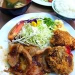 好々亭 - 上ロース生姜焼&メンチカツ¥800