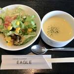 オムライス専門店 イーグル - サラダ・コーンスープ