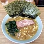 奥津家 - ラーメン800円麺硬め。海苔増し150円。