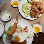 ひらき - 料理写真:エビフライ&ハンバーグ定食と唐揚げ定食