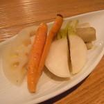 16℃ - 根菜のピクルス