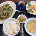 中国料理 空 - 週替わりランチ『青椒肉絲』(880円)