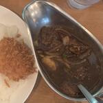Jinkokku - 「ビーフと野菜のインド風カレー(820円)カニクリームコロッケ(220円)」