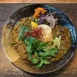 Cuffy curry&bar - 2種あいがけ(スパイシーマトン、さけねぎぶたキーマ)