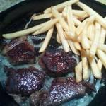 土間土間 - 焦げ目たっぷり小さくて固いステーキ ポテトはオイリー★
