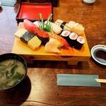 黒勢鮨 - 料理写真:すし上(ランチ)    ¥1,540-