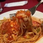 オステリア・バッカーノ - ヤリイカと春キャベツのトマトソースリフトアップ!絶妙なアルデンテ。
