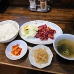 炭火焼肉ごんちゃん - 令和3年4月 ランチタイム ハラミセット肉大盛り(100g) 900円 ハラミ+キムチ+ナムル+ライス+スープ