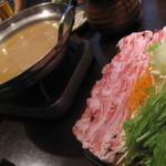 14929069 - 沖縄産 紅豚!!