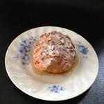 パティスリー イルコンフィ - 高根台シュークリーム(150円)