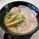 らーめんスタンド アール&アール - 料理写真:極濃鶏白湯