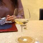 トゥ・ラ・ジョア - Bourgogne Chardonnay Guy Bocarad 2015