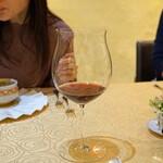 トゥ・ラ・ジョア - Flowers 2014 Camp Meeting Ridge Estate Bottled Pinot Noir
