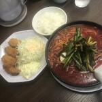 149300438 - 旨辛麺+カキフライ定食 1210円