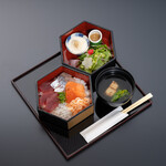 和食 花の茶屋 - 桃山(海鮮盛り合わせ)2000円(税込)