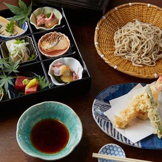 日本酒のお供に。食材の鮮度と質にこだわった酒肴も秀逸です