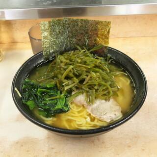 川崎家 - 料理写真:茎わかめラーメン(中) 950円
