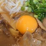 徳島らーめん ひろ家 - 徳島ラーメン中+肉+生卵♪