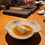 149342105 - リコッタチーズのおでん。比内地鶏のスープが美味です!